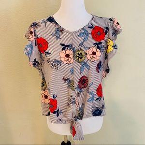 Super cute floral blouse